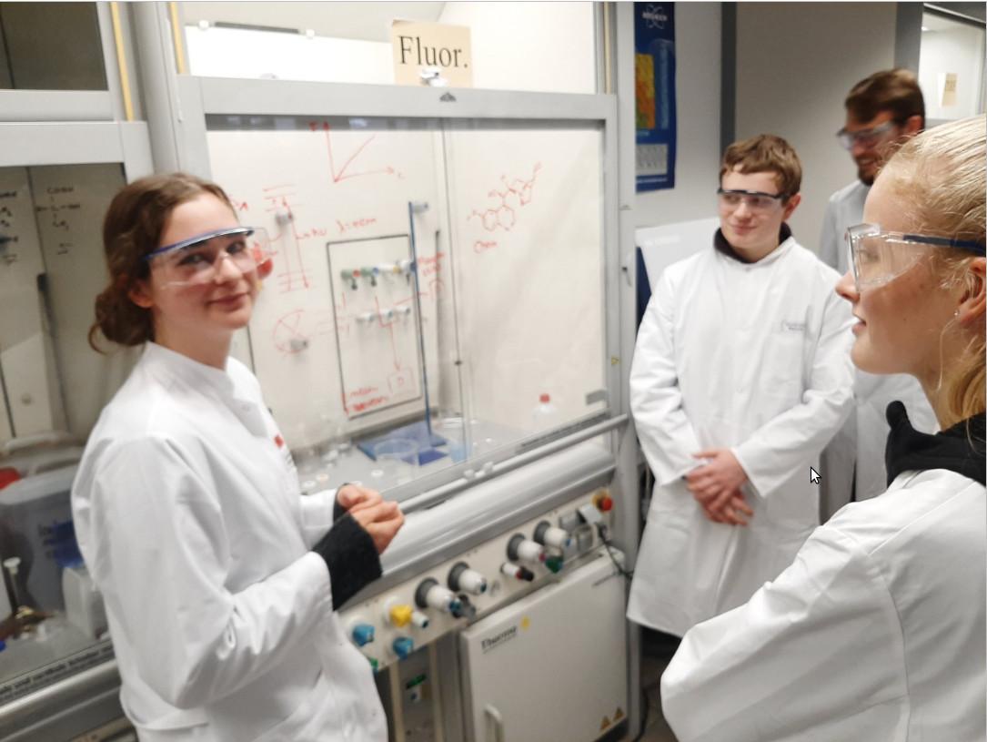 Leistungskurs Chemie auf Spurensuche an der Uni Münster